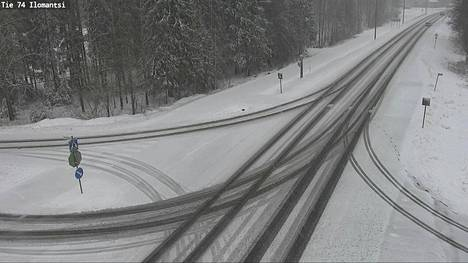Ilomantsissa tiet muuttuivat talvisiksi.