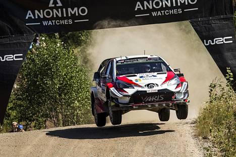 Ott Tänak on päässyt Toyotalla erinomaiseen vauhtiin ja taistelee yhä maailmanmestaruudesta.