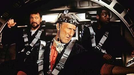 Jonathan Frakes (vas) ja James Cromwell Frakesin ohjaamassa elokuvassa Star Trek: First Contact - Ensimmäinen yhteys.