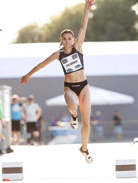 Salminen loikki uransa ensimmäisen 14-metrisen viime lauantaina Espoon Leppävaarassa.