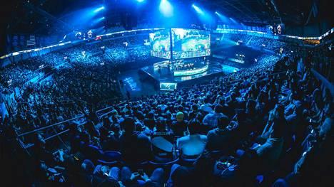 Forbesin listan kärkikolmikko yhdistää maailman suosituin kilpapeli League of Legends, jonka suurimpia turnauksia seuraa paikan päällä kymmenet tuhannet ja netissä miljoonat.