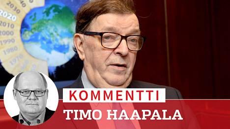Keskustan entinen puheenjohtaja Paavo Väyrynen tekee viikonloppuna paluun keskustan kovimpaan ytimeen.