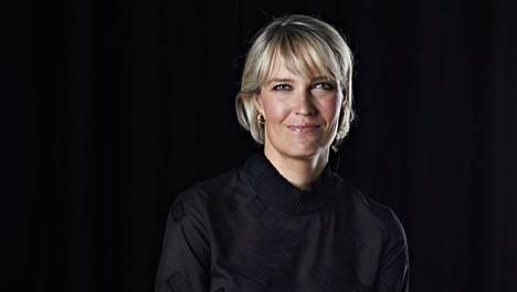 Riikka Suominen on helsinkiläinen toimittaja, joka matkasaarnaa vapaan rakkauden iloista.