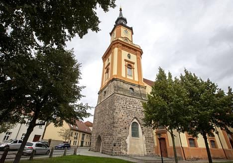 Angela Merkel konfirmoitiin aikoinaan Pyhän Maria Magdalenan kirkossa, jossa myös hänen isänsä toisinaan saarnasi.