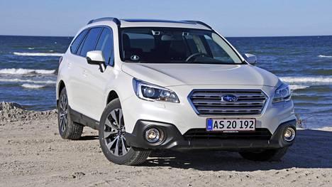 Subaru Outback 2.0D vuosimallia 2015.