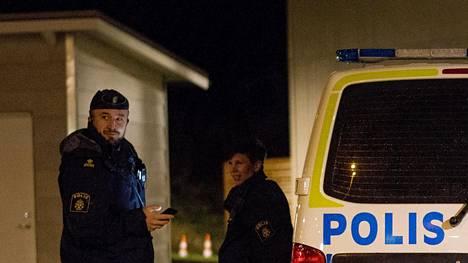 Ruotsin poliisin työntekijöitä Göteborgissa. Kuvituskuva.