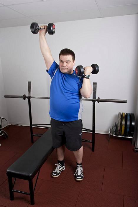 Laihdutuksen yhteydessä kannattaa aina treenata. Optimaalisella ruokavaliolla ja unen määrällä kehosta häviää lihasmassaa, jos painonpudotuksen yhteydessä ei treenaa.