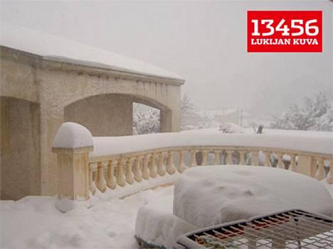 Ranskan Marseillessa on tullut lunta jo 35 senttiä...