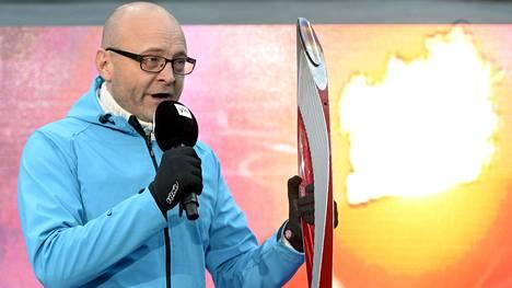 Tapio Suominen on iloinen päästessään jälleen selostamaan yhtä lempilajiaan eli yleisurheilua. Elämä on muutenkin mallillaan, kun vaikeudet ovat jääneet taakse.