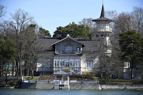 Pääministerin virka-asunto Kesäranta sijaitsee Helsingin Meilahdessa.