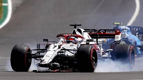 Kimi Räikkösen kisa loppui Portugalissa alta aikayksikön.