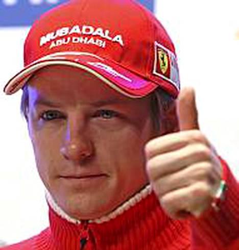 Kimi Räikkönen. Mies, joka ajaa Rovaniemellä kilpailunumerolla 19.