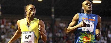 Tyson Gay (vas.) aiheuttiUsain Boltille (oik.) ensimmäisen tappion kahteen vuoteen.