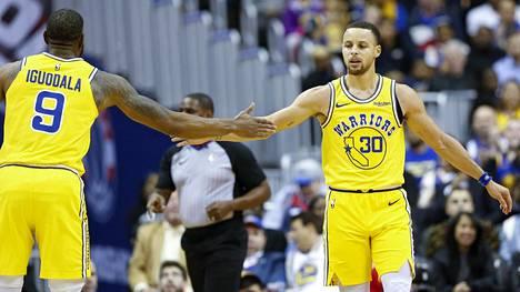Warriors jyskytti yhdeksänteen peräkkäiseen voittoonsa