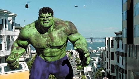 Taiwanilaisen Ang Leen ohjaama Hulk toi vain kohtalaisesti kassatuloja, minkä vuoksi sitä pidetään floppina.