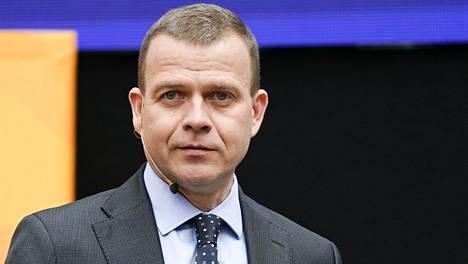 Valtiovarainministeri Petteri Orpo (kok) sai ekonomisteilta nuotit siihen, miten Suomen finanssipolitiikkaa pitäisi lähivuosina hoitaa.