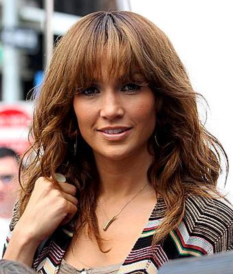 Jennifer Lopez puhkesi onnen kyyneliin.
