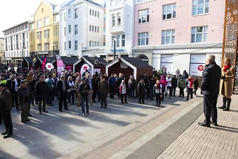 Antti Rinne puhui vaalitilaisuudessa Oulussa maanantaina.