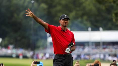 Tiger Woodsilta uskomaton paluu – vei voiton PGA-kiertueella viiden vuoden tauon jälkeen