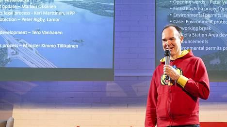Peter Vesterbacka puuhaa Helsinki-Tallinna-tunnelia kovaa vauhtia. LVM vielä ota kantaa rahoittajiin.