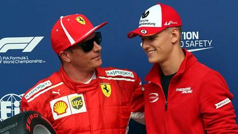 Räikkönen ja Schumacher toverillisissa tunnelmissa Monzassa 2018.