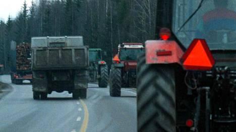 Viljelijät ovat osoittaneet ennenkin mieltään traktorimarssin avulla. Näin eteni marssi lähellä Lappeenrantaa vuonna 1998.