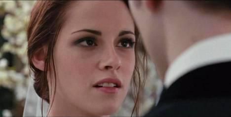 Kristen Stewartin näyttelemä Bella morsiamena.