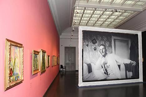 Magnus Enckellin suurnäyttely täyttää Ateneumin taidemuseon kolmannen kerroksen 14.2.2021 saakka.