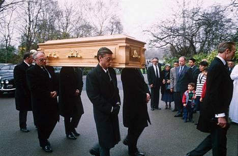 Freddie Mercuryn hautajaiset järjestettiin 27. marraskuuta 1991. Niihin osallistui vain alle 40 ihmistä.