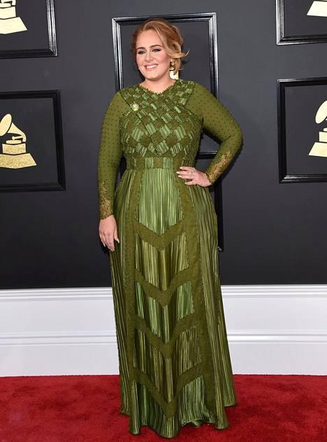 Adele näytti vielä vuonna 2017 melko erilaiselta kuin nykyään.