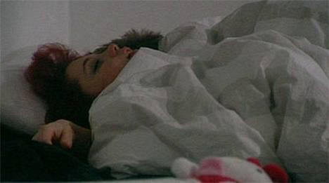 Perjantai-iltana Elisabet ja Petri vetäytyivät makuuhuoneeseen peiton alle.