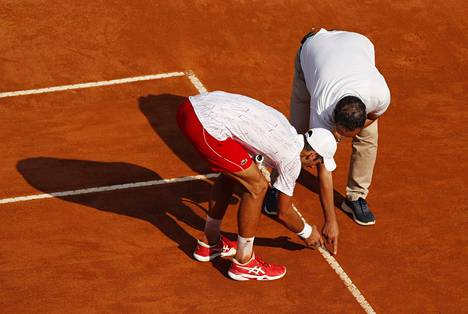 Novak Djokovic Who Hit The Referee With The Ball In His Throat Was Furious Again Teller Report