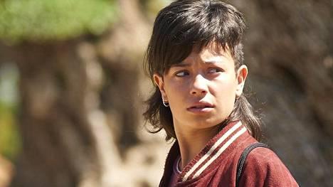 Anna Castillo tekee uhkarohkeaan hankkeeseen heittäytyvästä Almasta uskottavan, lihaa ja verta olevan ihmisen.