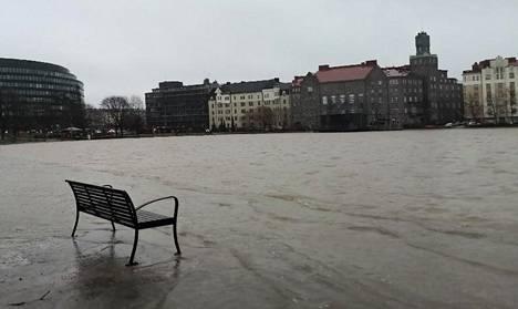 Tokoinranta Helsingissä lauantaina iltapäivällä.