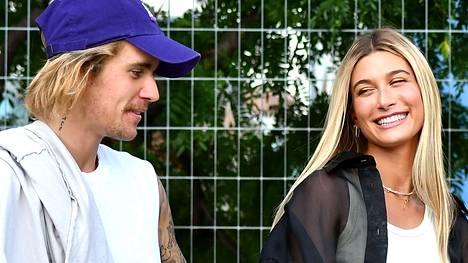 Justin Bieber ja Hailey Baldwin avioituivat jo aikaisemmin, mutta häitä juhlittiin isosti vasta maanantaina.