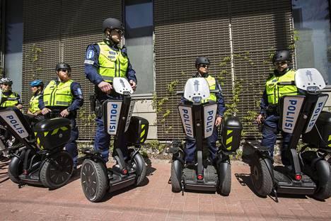 Helsingissä poliisi on aiemmin testannut myös sähköistä henkilökuljetinta partiointivälineenä.
