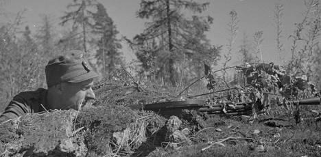Suomalaisjoukot joutuivat kesällä 1944 lähes epäinhimillisen rasituksen alle pysäyttäessään Neuvostoliiton hyökkäyksen.