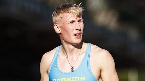 Samuli Samuelsson tähyilee Suomen ennätysaikaa: 10,21.