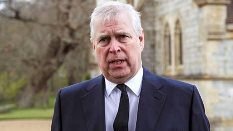 Prinssi Andrew'lle on toimitettu uhrin asianajajien mukaan haaste seksuaalisesta hyväksikäytöstä.