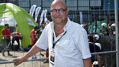 Lasse Norres toimi aikanaan suomalaisbändi Broadcastin managerina.