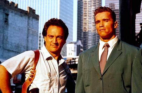 Jim Belushki ja Arnold Schwarzenegger.