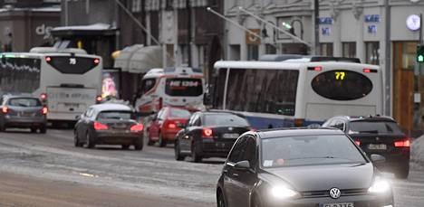 """Poliisi varoittaa: Tienpinnat alkavat nyt jäätyä – """"Sää on muuttumassa hankalampaan suuntaan"""""""