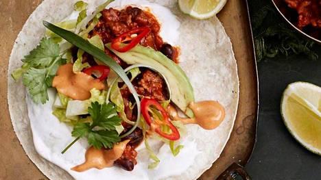 Barbequepossua ja chipotlechilimajoneesia. Tämä taco on chilinystävän uusi suosikki!