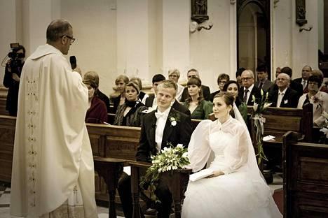 Vuonna 2011 avioituneet Lavinia ja Antti Husa ovat yhä yhdessä.