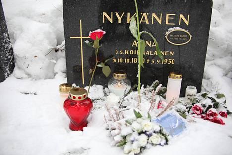 Tältä Nykäsen hauta näytti hautajaispäivänä.