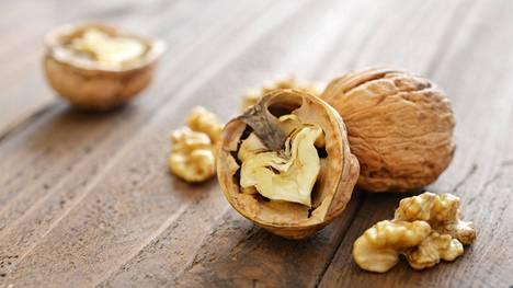 Pähkinöiden terveyshyödyt on havaittu tutkimuksissa aiemminkin. Suotuisat vaikutukset liittyvät todennäköisesti niiden terveellisiin rasvoihin, antioksidantteihin ja kuituihin.