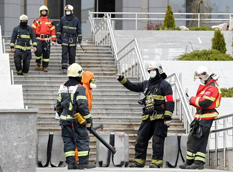 Palomiehet saivat tulipalon nopeasti hallintaan Pietarissa, mutta viisi koronaviruspotilasta kuoli. Heidän kuolinsyykseen arvellaan myrkyllisiä palokaasuja.