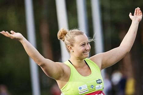 Heidi Nokelainen heitti voittotuloksen ensimmäisellä yrityksellään.