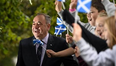 Skotlannin itsenäisyyspuolueen johtaja Alex Salmond kävi antamassa äänensä Strichenissä, joka sijaitsee noin 250 kilometriä Edinburghista pohjoiseen.