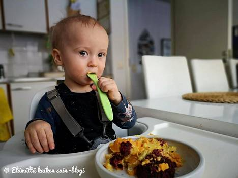 Jasun lapset ovat olleet tyytyväisiä vegaaniseen ruokaan. Erityistä herkkua ovat olleet vegaaniset lindströminpihvit.